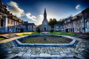 Abbaye d'Aulne - Cour d'honneur